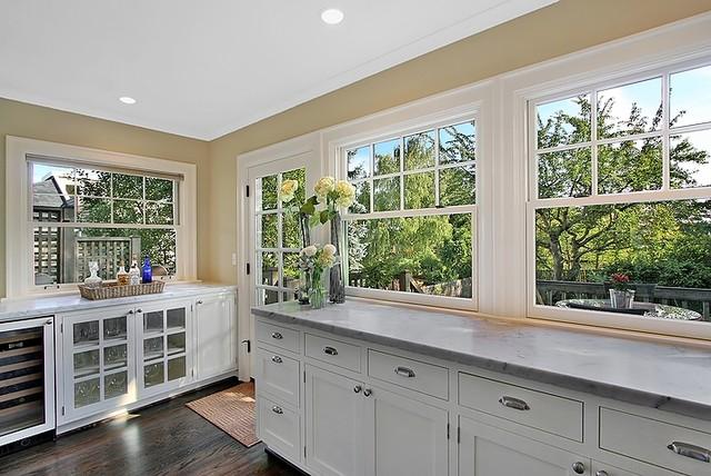 kitchen windows traditional-kitchen