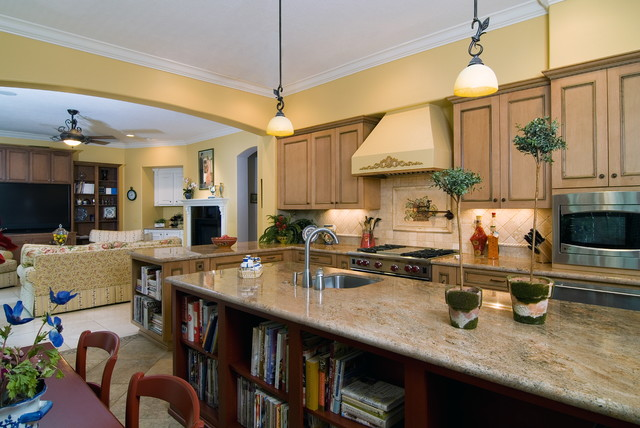 Brookhaven Kitchen - Traditional - Kitchen - houston - by Cabinet Innovations