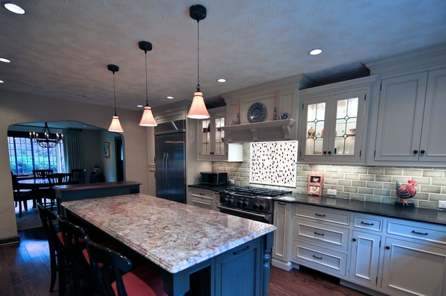 Kitchen With Textured Plaster Ceiling Traditional