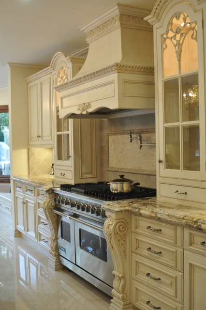 kITCHEN WOOD HOOD,HAND CARVED LEGS,GLASS HAND CARVED MULLION DOORS,RAISED PANEL - Traditional ...