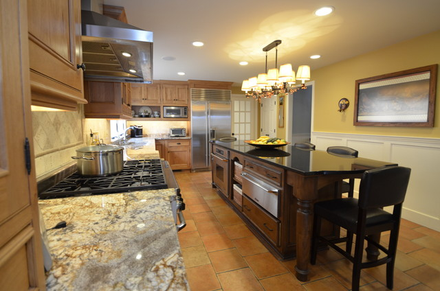 Kitchen Wyngate Ln Simsbury Ct Traditional Kitchen New York By D E Jacobs