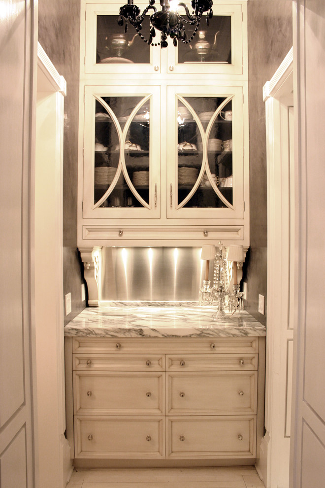Example of a classic kitchen design in Chicago
