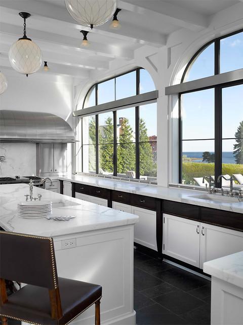 Kitchens more classique chic cuisine new york for Classique ideas interior designs inc