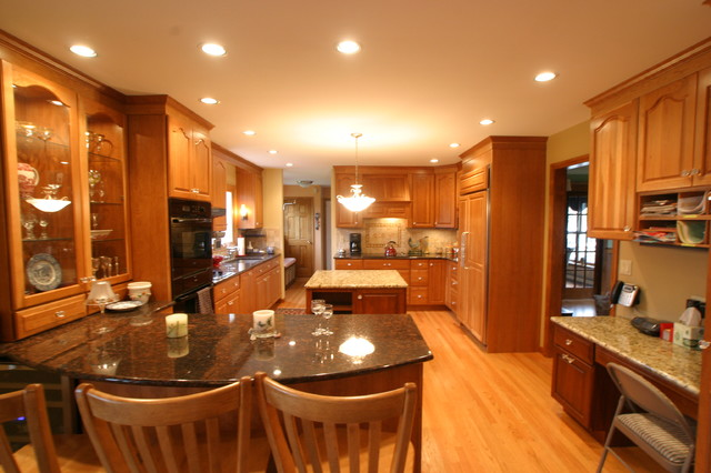 Kitchens by Baybrook Remodelers traditional-kitchen
