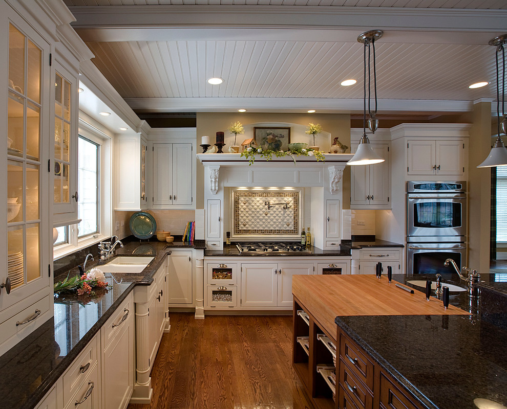 Kitchens By Geneva Cabinet Gallery Traditional Kitchen Chicago By Geneva Cabinet Gallery