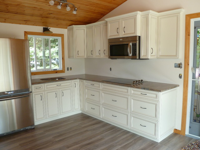 Kitchens traditional kitchen edmonton by fireline for Kitchen cabinets edmonton