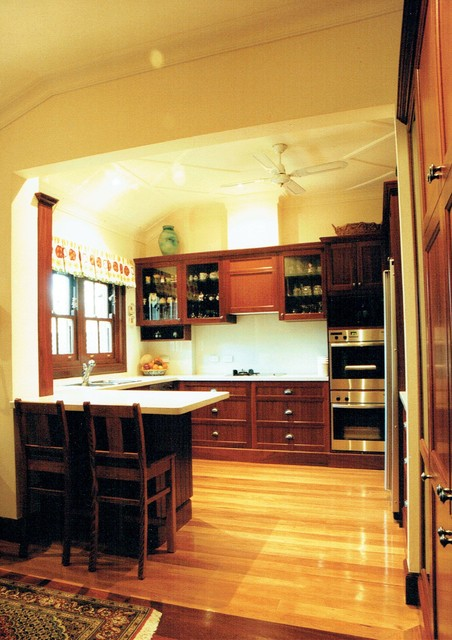 Kitchens traditional kitchen canberra queanbeyan for Kitchen designs canberra