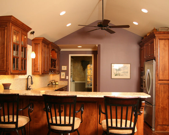 Cathedral ceiling kitchen design ideas pictures remodel for Cathedral ceiling kitchen designs