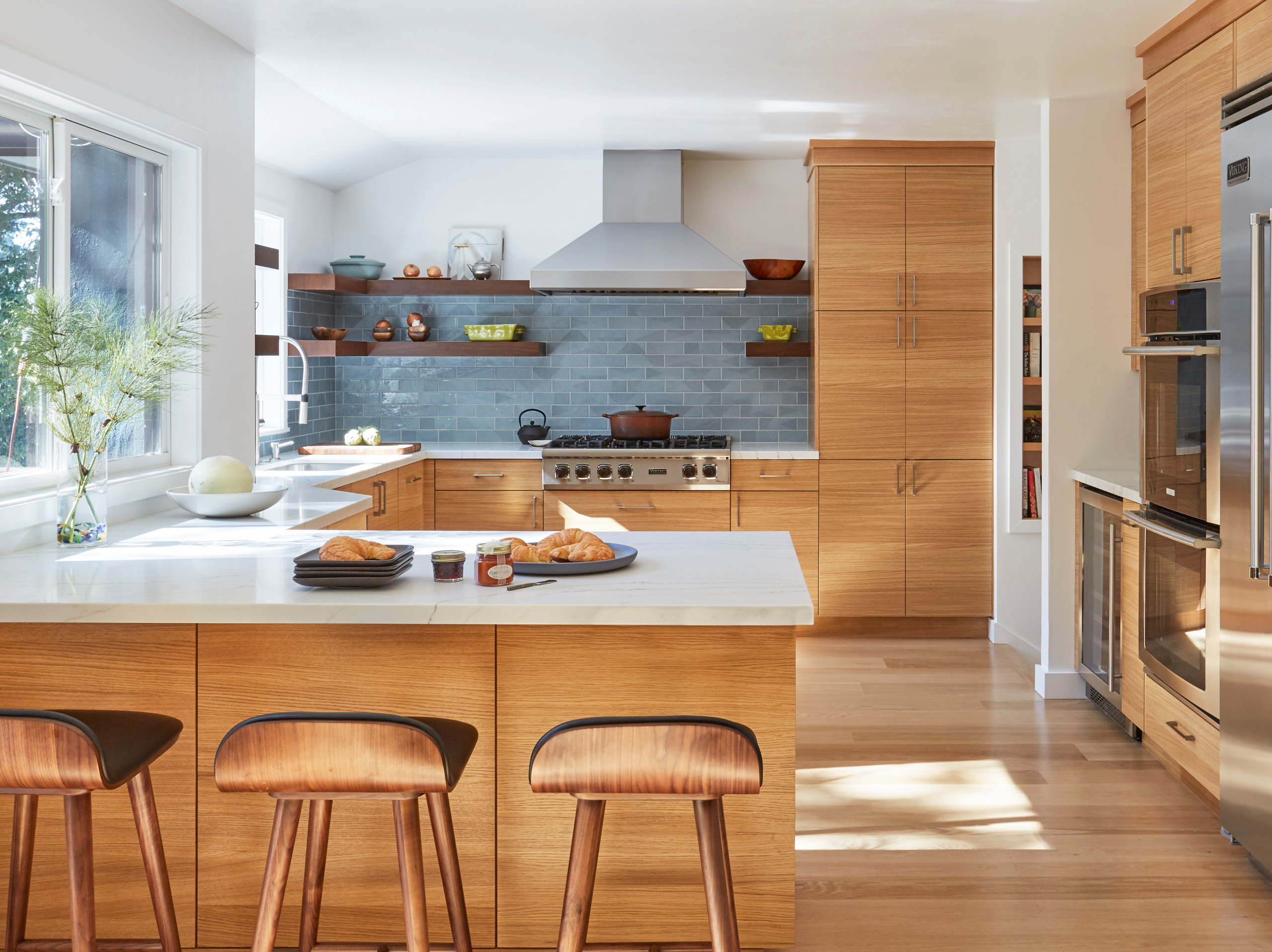 75 Beautiful Brown Kitchen Pictures Ideas February 2021 Houzz