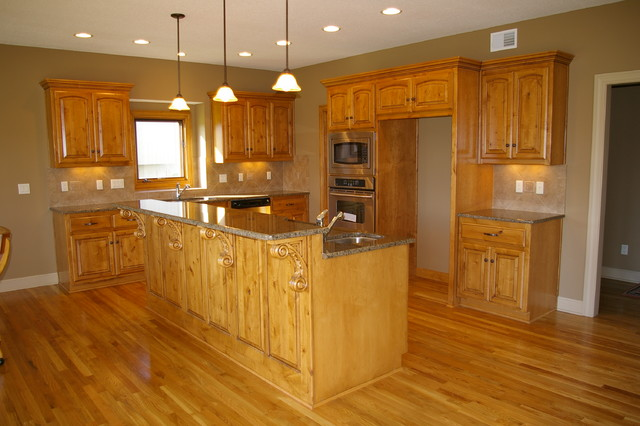 Kitchens traditional kitchen kansas city by miller for Kitchen cabinets kansas city