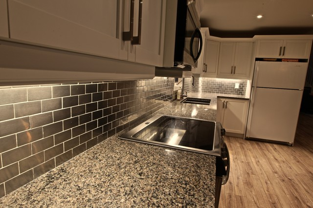 Kitchens or Greatrooms beach-style-kitchen