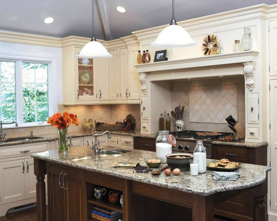 41 Traditional Kitchen Design Photos with Distressed Cabinets and