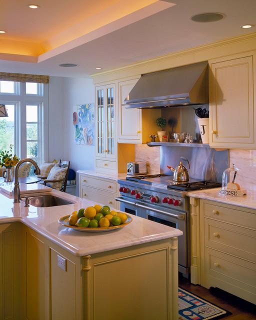 kitchens klassisch k che boston von polhemus. Black Bedroom Furniture Sets. Home Design Ideas