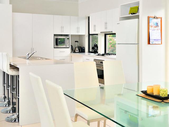 Kitchens modern kitchen brisbane by real estate for Adams cabinets perth