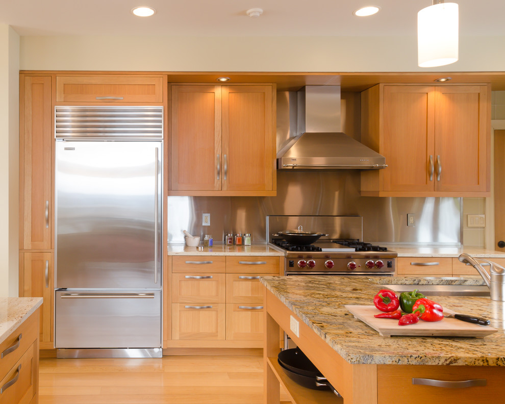 Trendy kitchen photo in New York with stainless steel appliances