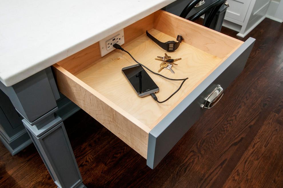 Kitchen - craftsman kitchen idea in Seattle