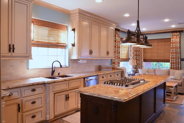 Kitchens W Island Cooktoptraditional Kitchen Houston