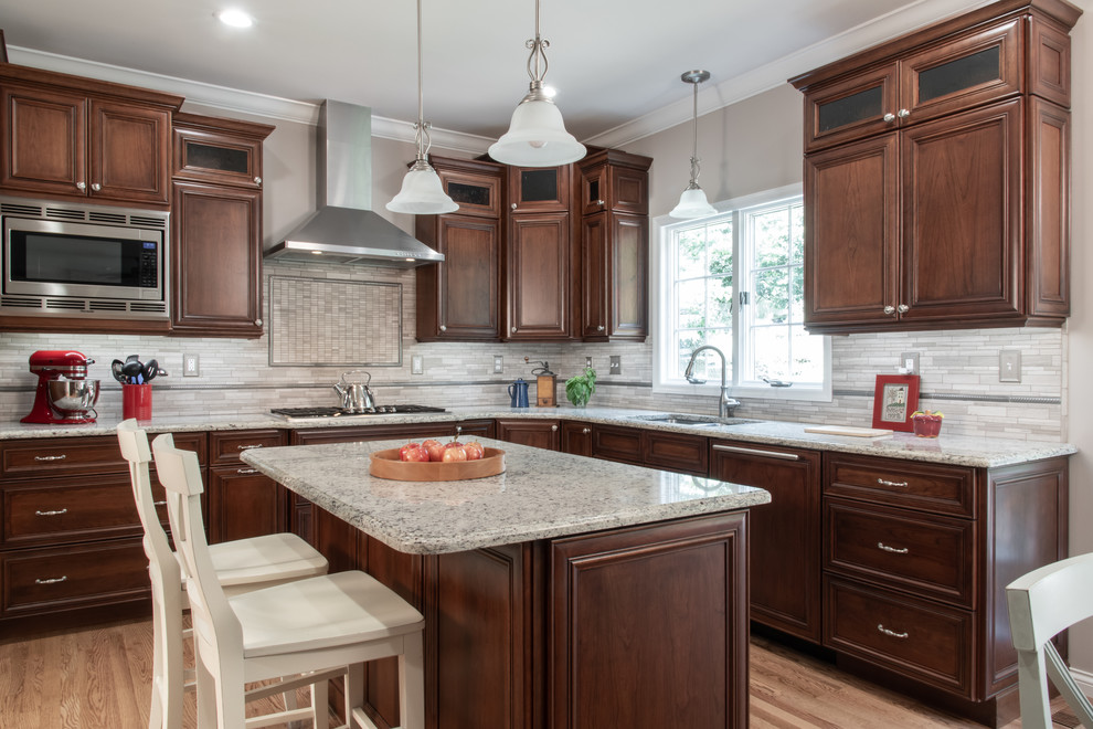 Klasek Kitchen Renovation - Des Peres, MO - Traditional ...