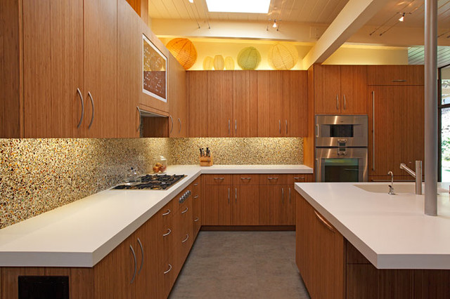 Klopf Architecture - Eichler Style Kitchen midcentury-kitchen