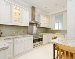 Knight Frank LTD traditional kitchen