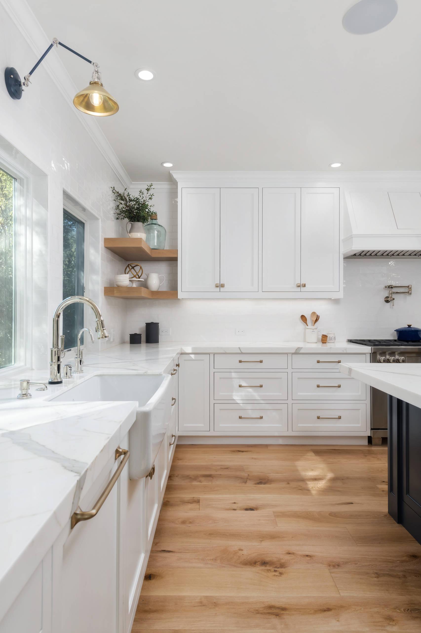 32 Beautiful Farmhouse Kitchen Design Ideas & Pictures   Houzz