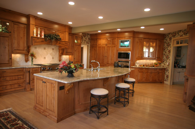 Knotty Alder Kitchen By Don Justice Cabinet Makers Traditional Kitchen