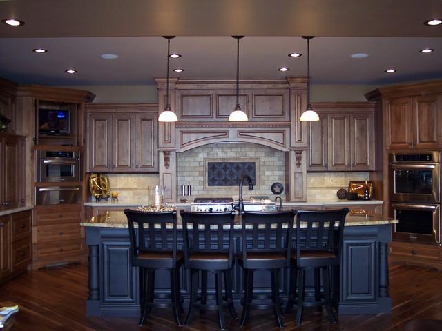 Knotty Alder Kitchen - Traditional - Kitchen - omaha - by ...
