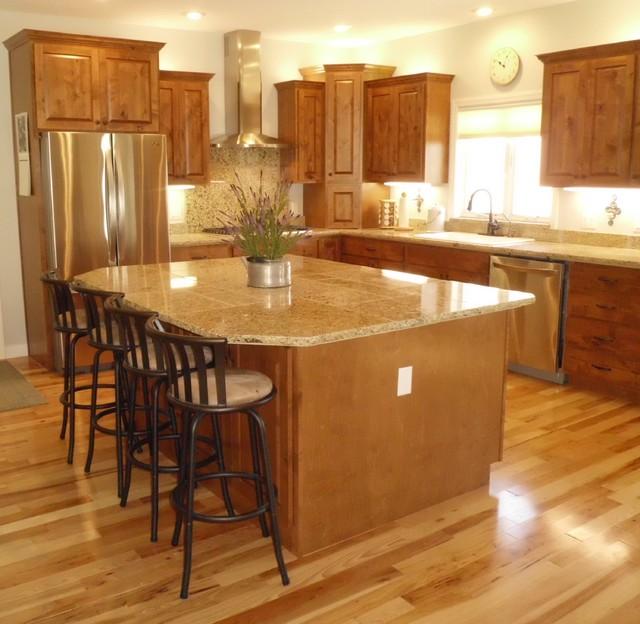 Knotty Alder Kitchen Traditional Kitchen Cedar Rapids By Esser Custom Cabinets