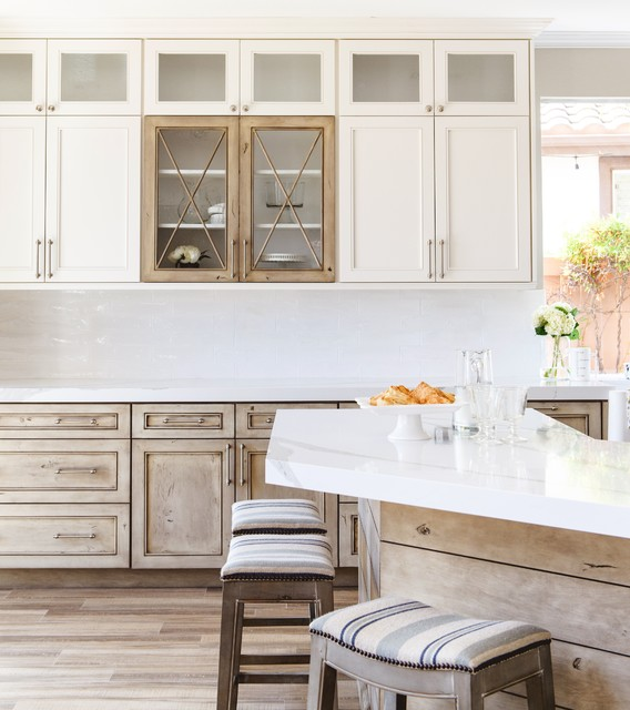 Knotty Alder Kitchen Transitional Kitchen San Diego By Savvy Interiors Inside By Savvy Houzz Au