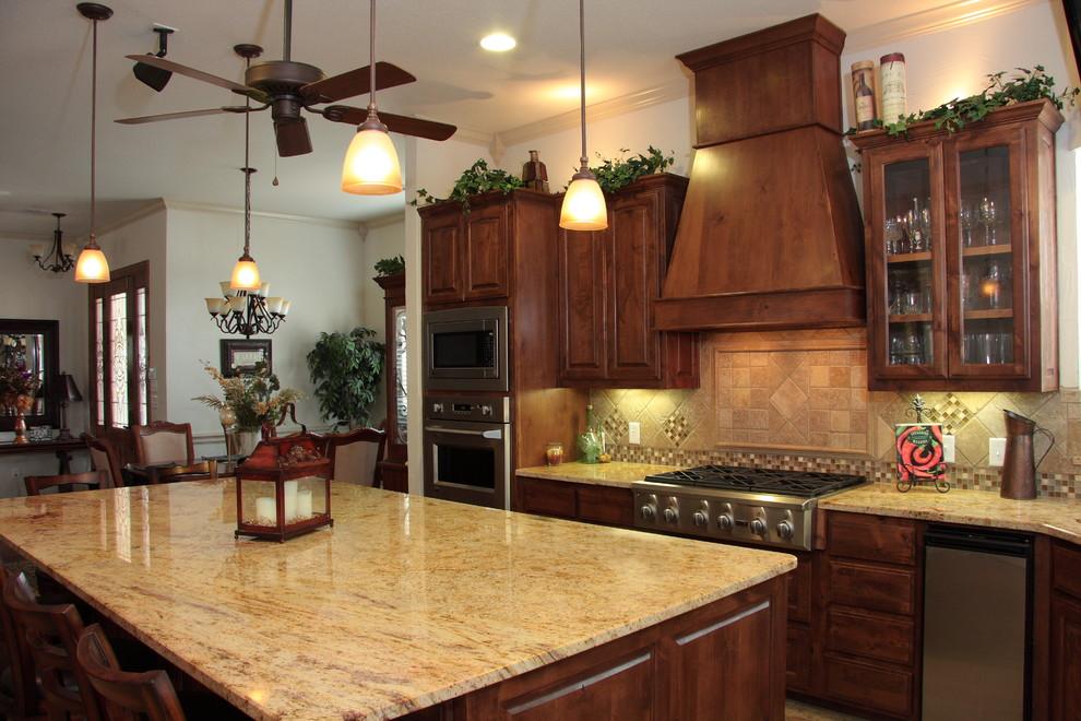 Knotty Alder - Traditional - Kitchen - Austin - by ...