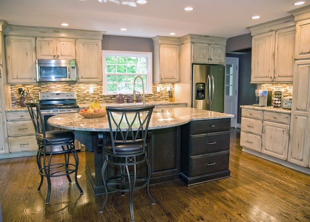 Koralia job olde world custard traditional kitchen for Southern kitchen design