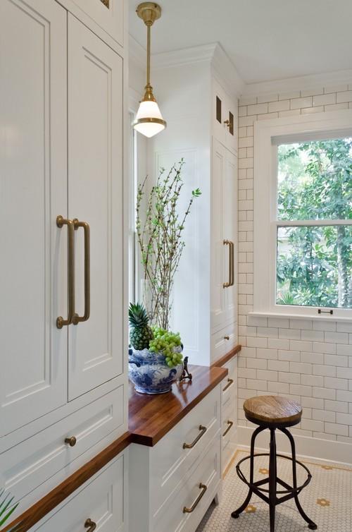 KOTW: White Monte Vista Kitchen Bradshaw Designs