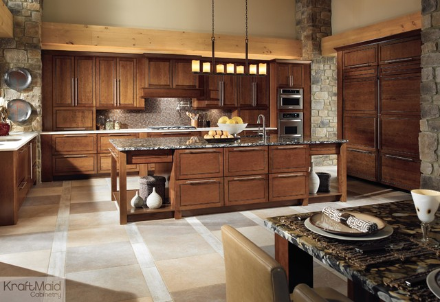 Kraftmaid Cabinets Cabinetry Eat In Kitchen Mid Sized Rustic U Shaped