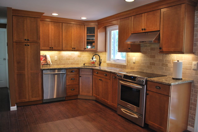 Kraftmaid Mapleton Kitchen - Selden - Traditional ...