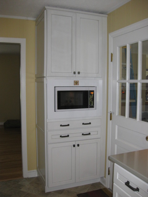 Kraftmaid gentry maple in dove white w cinder glaze for Dove white cabinets with cocoa glaze