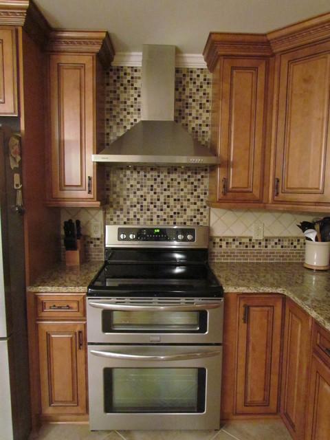 Kraftmaid Jamestown Maple - Deaton traditional-kitchen