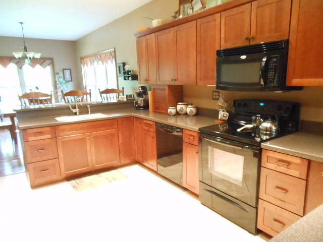 Kraftmaid Lynchburg Cherry in Sunset - Traditional - Kitchen - other metro - by Jenna Cook @ Lowes