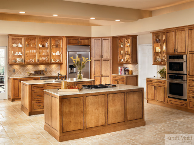 Kraftmaid maple square raised door in praline with mocha for Kraftmaid kitchen cabinets