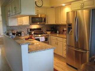 Kraftmaid Montclair Canvas Kitchen-McNally - Contemporary - Kitchen - providence - by Lowes of ...
