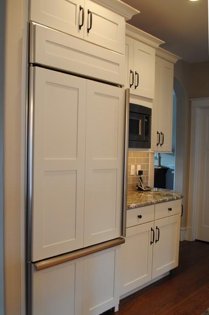 KraftMaid Putnam Maple Canvas contemporary-kitchen