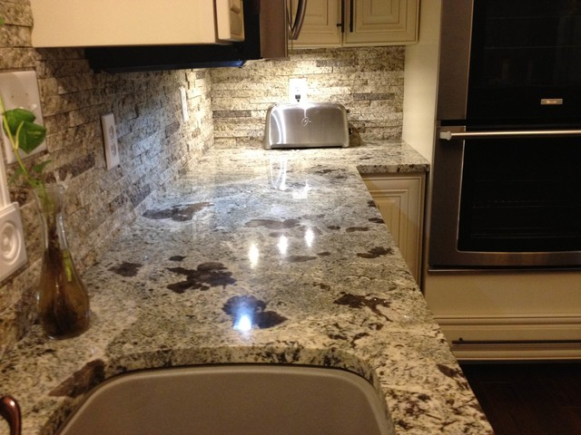 High Quality Filename: Traditional Kitchen