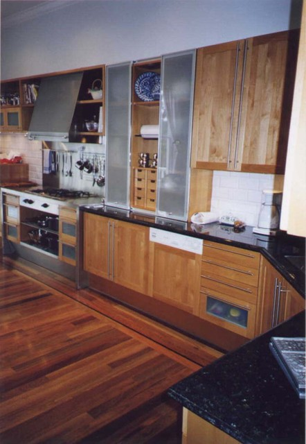 L.A. Paul & Associates, Architecture and Planning traditional-kitchen