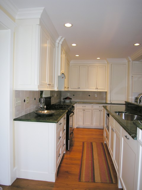 L Shaped Kitchen With Varying Depth Cabinets Traditional