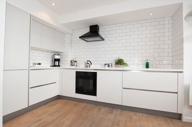 L shaped matt white kitchen modern kitchen london for Modern kitchen london