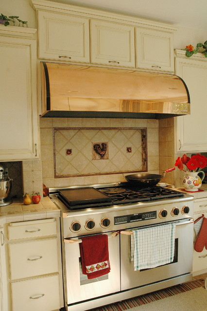 L silverdale area kitchen with showplace wood products for Renew it kitchen cabinets