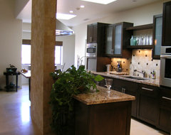 La Canada contemporary kitchen