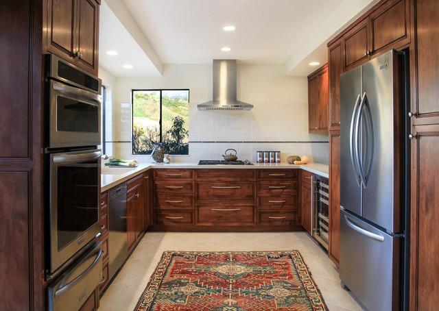 La Vista Grande traditional-kitchen