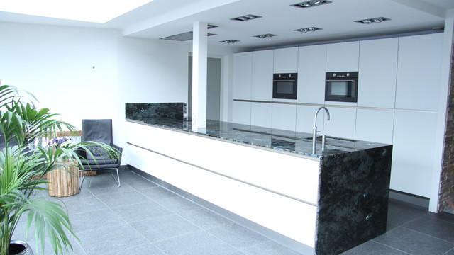 labradorite kitchentop bauhaus look k che amsterdam. Black Bedroom Furniture Sets. Home Design Ideas