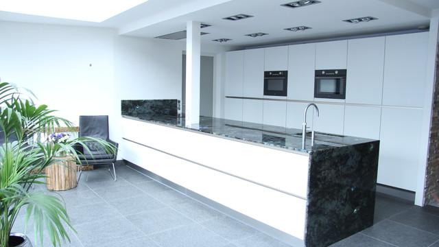 labradorite kitchentop minimalistisch k che amsterdam von a tre. Black Bedroom Furniture Sets. Home Design Ideas