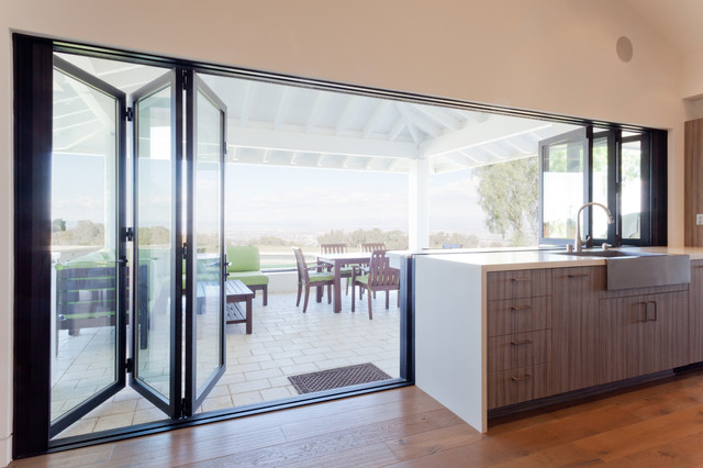Lacantina doors contemporary kitchen by lacantina doors for Kitchen design 07631